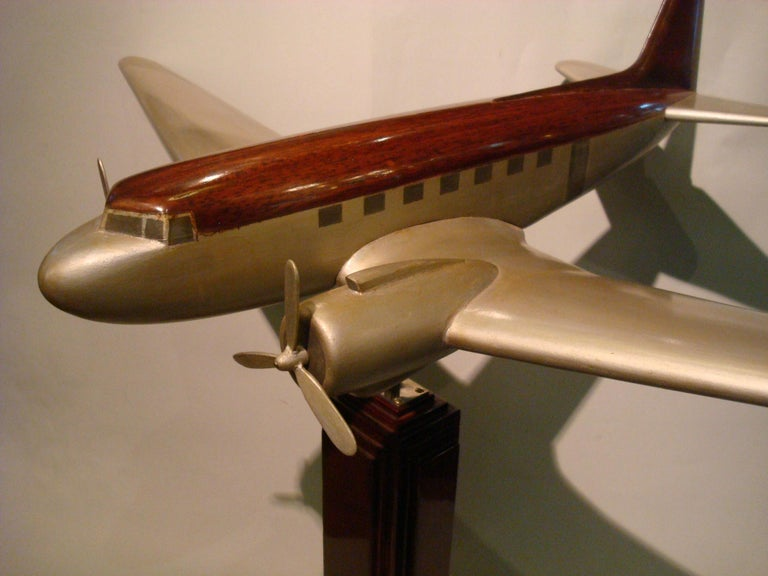 Hand-Painted Art Deco Pan-Am DC3 Wooden Airplane Desk Model, Midcentury For Sale