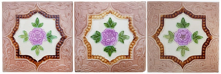 Panel of 25 Authenthic Glazed Art Deco Relief Tiles, Belga, circa 1930s In Good Condition For Sale In Rijssen, NL