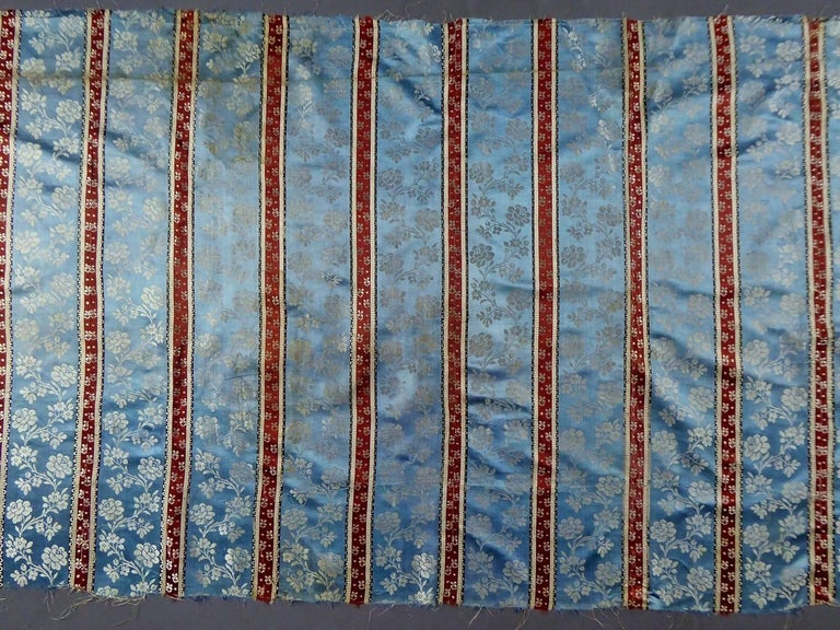 Panels in blue damask silk lampas - France 18th century For Sale 5