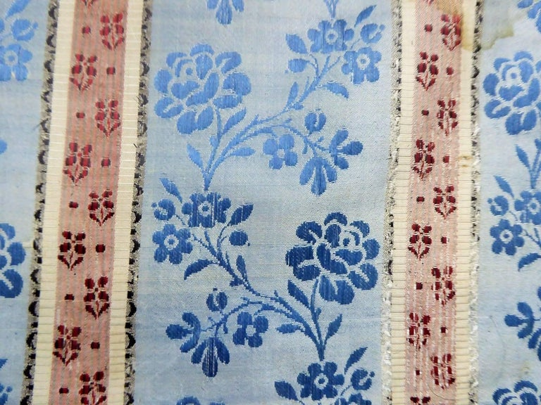 Panels in blue damask silk lampas - France 18th century For Sale 7