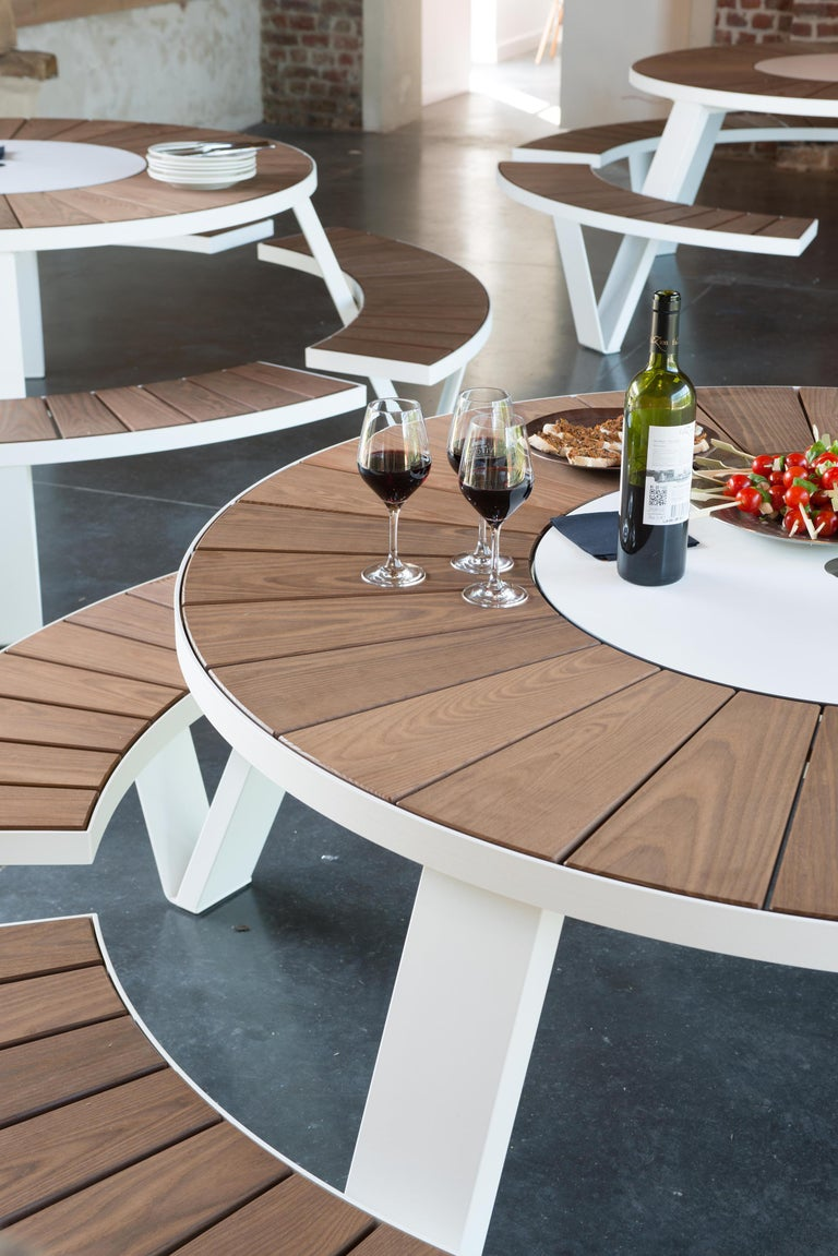 Pantagruel Picnic Table with Inumbra Parasol Design by Extremis In New Condition For Sale In Boston, MA