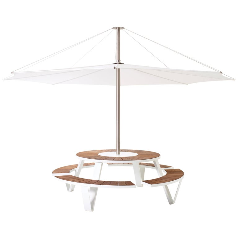 Pantagruel Picnic Table with Inumbra Parasol Design by Extremis For Sale