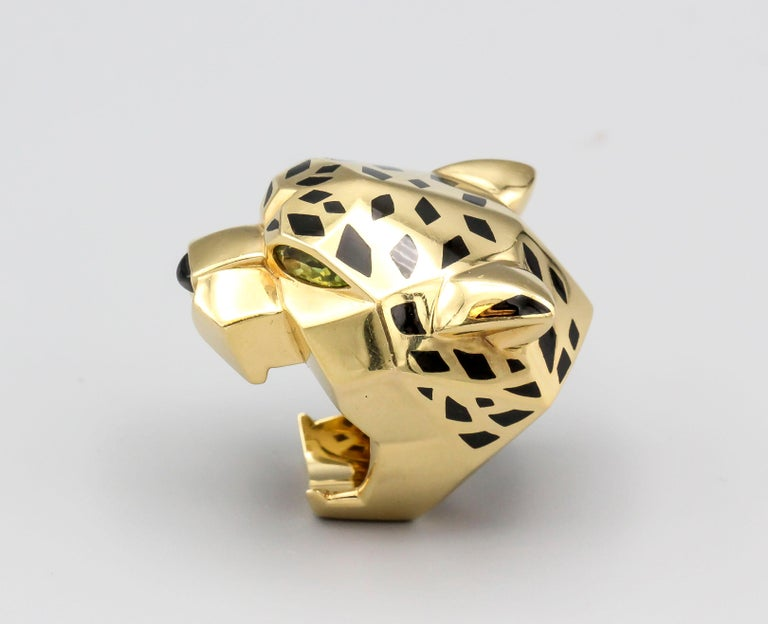 Panthere de Cartier Peridot, Onyx, 18 Karat Gold and Lacquer Ring For Sale 2