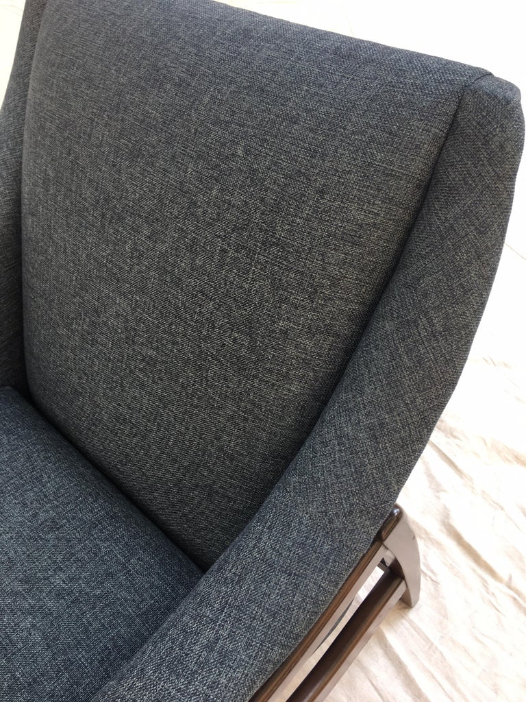 Mid-20th Century Paoli Upholstered Rocking Lounge Chair For Sale