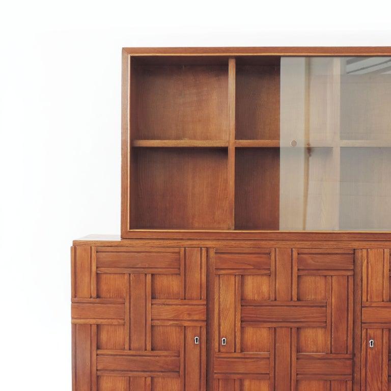 Mid-Century Modern Paolo Buffa 1940s Oak Wood Cabinet Vetrine, Italy For Sale