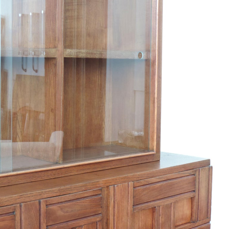 Paolo Buffa 1940s Oak Wood Cabinet Vetrine, Italy In Good Condition For Sale In Milan, IT