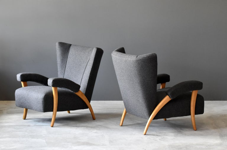 Paolo Buffa 'Attribution' Organic Lounge Chairs, Fabric, Light Oak, Italy, 1940s In Good Condition For Sale In West Palm Beach, FL