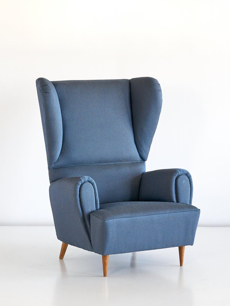 Mid-Century Modern Paolo Buffa High Wingback Chair Upholstered in Blue Rubelli Fabric, Italy, 1940s For Sale