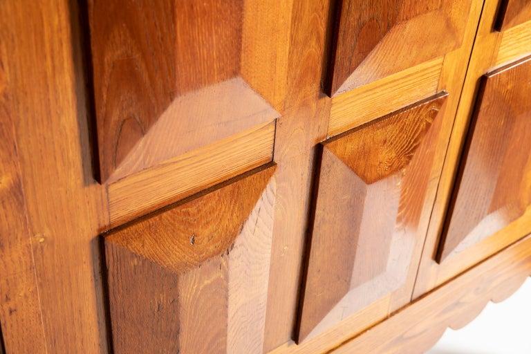 Paolo Buffa Italian Oakwood with Four Ashlar-Work Doors Cabinet Highboard, 1940s For Sale 4