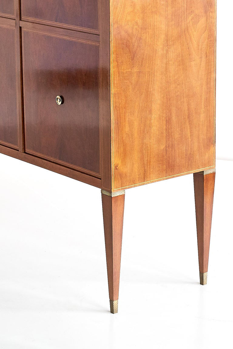 Brass Paolo Buffa Panelled Four-Door Cabinet in Mahogany and Walnut, Italy, 1950s For Sale
