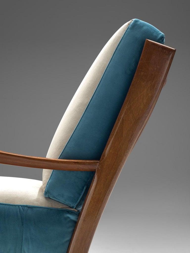 Italian Armchair in Walnut, 1960s For Sale 1