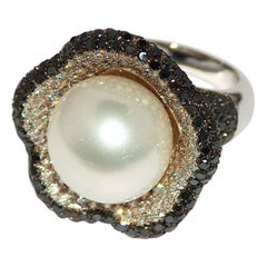 Paolo Piovan White and Black Diamonds, South Sea Pearl 18 Karat White Gold Ring