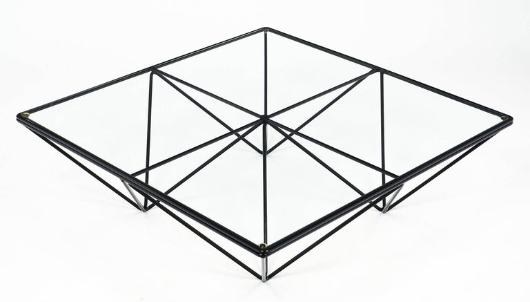 Modernist Coffee Table in the Style of Paolo Piva For Sale 1