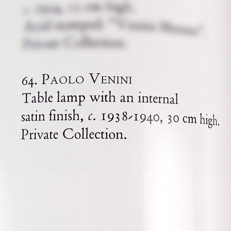 Paolo Venini Murano Iridescent Gold Flecks Italian Art Glass Snakes Trophy Vase For Sale 3