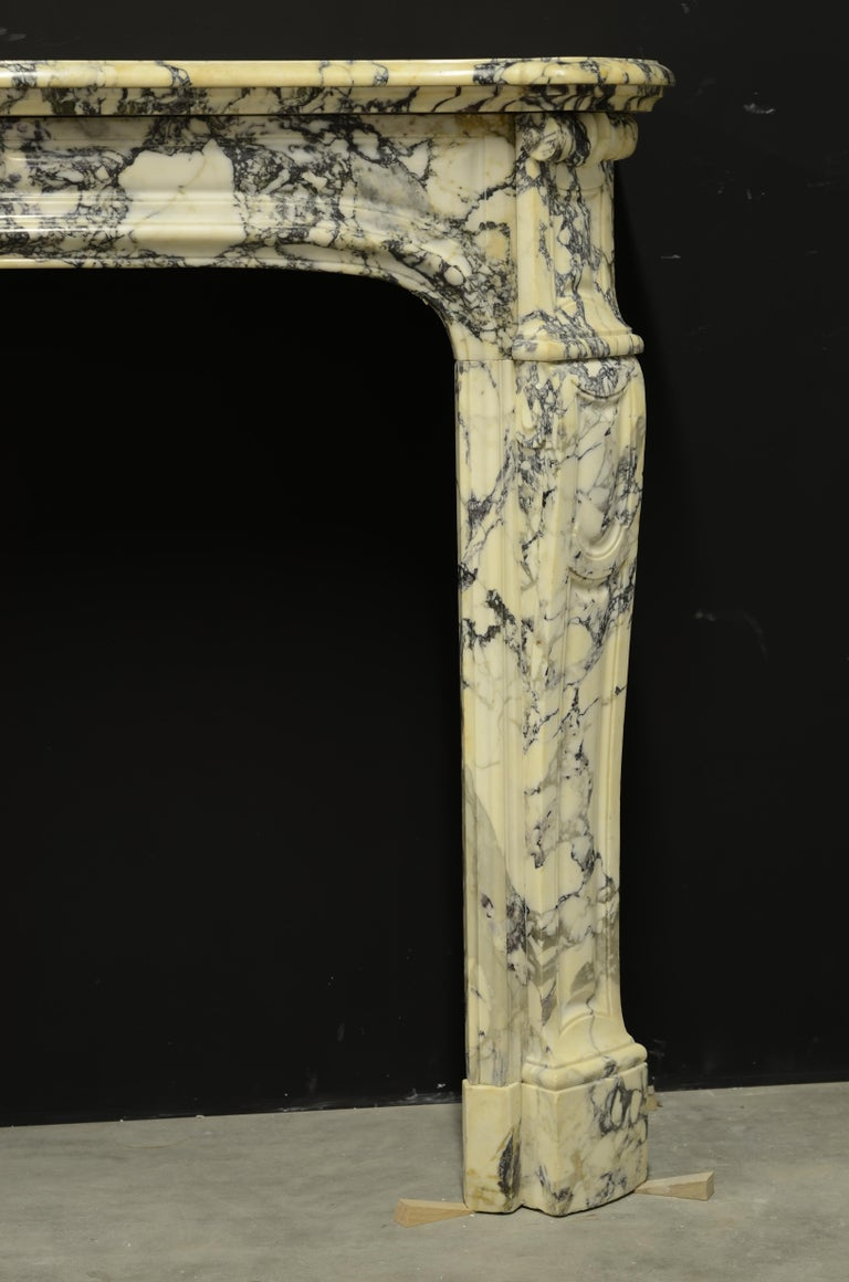 Paonazetto Pompadour Fireplace Mantel For Sale 5