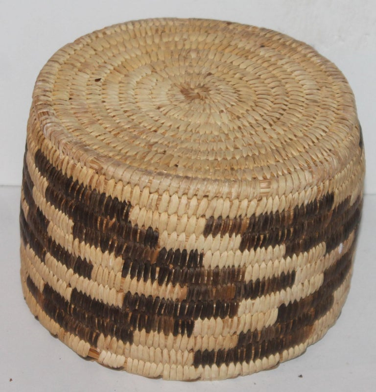 American Papago Indian Basket in Geometric Pattern For Sale