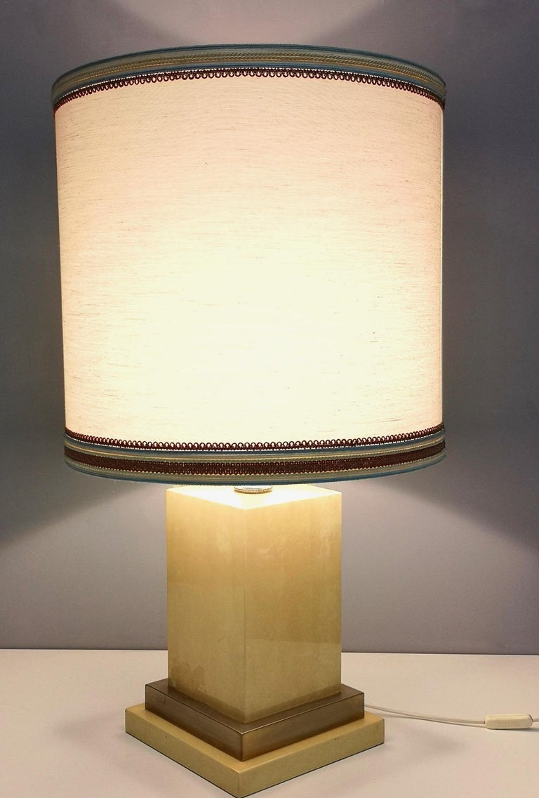 Parchment and Brass Table Lamp by Aldo Tura, Italy 1960s-1970s In Excellent Condition For Sale In Bresso, Lombardy