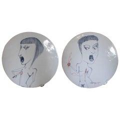 Pareja de ceramicas redondas pintadas a mano de hombre y mujer, Firmadas exvotos