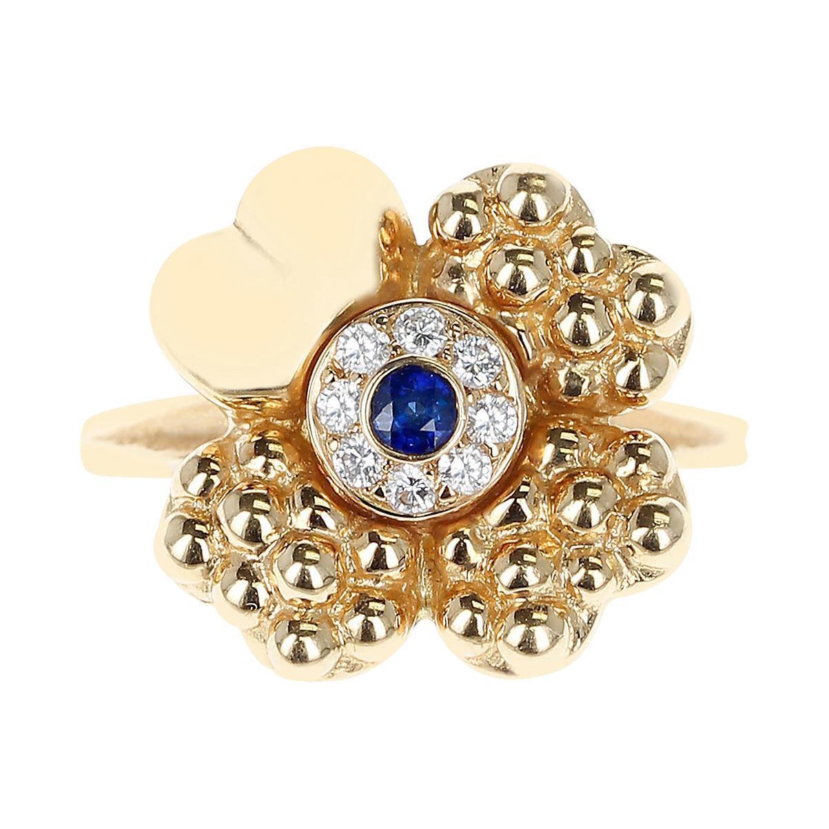 Paris Clover Ring with Diamonds and Center Blue Sapphire, 18 Karat Yellow Gold