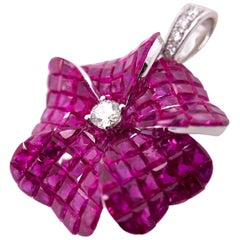 Paris Craft House 10.55 Carat Ruby Diamond Flower Pendant in 18 Karat White Gold