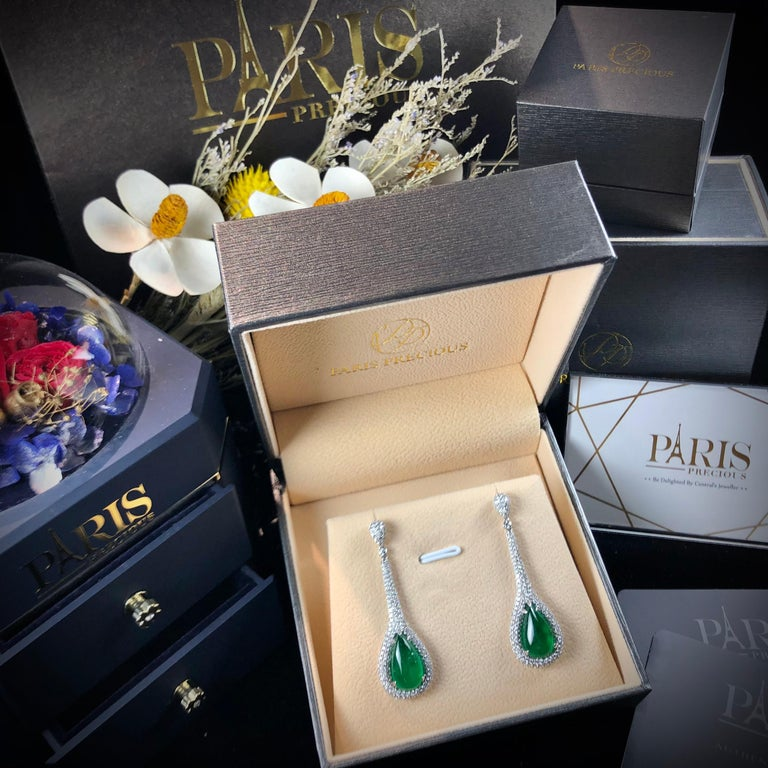 Paris Craft House 11.48 Carat Emerald Diamond Earring in 18 Karat White Gold In New Condition For Sale In Hong Kong, HK