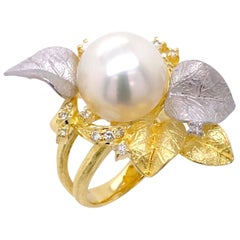 Paris Craft House Pearl Diamond Ring in 18 Karat Yellow Gold