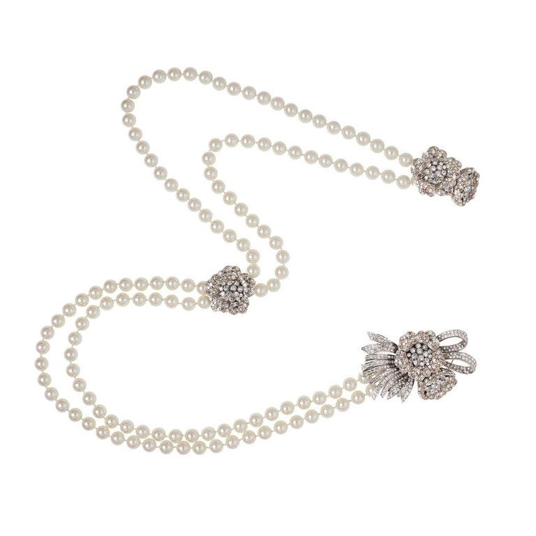 Parisian pearl necklace
