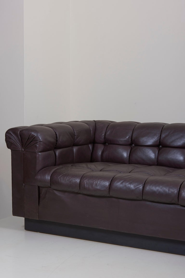 Mid-Century Modern Party Sofa Model 5407 in Dark Brown Leather by Edward Wormley for Dunbar For Sale