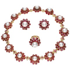 Parure with Rubies, Pearls and Diamonds in 18 Karat Yellow Gold