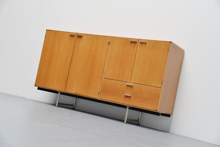 Mid-20th Century Pastoe Made to Measure Buffet in Oak, Holland, 1965 For Sale