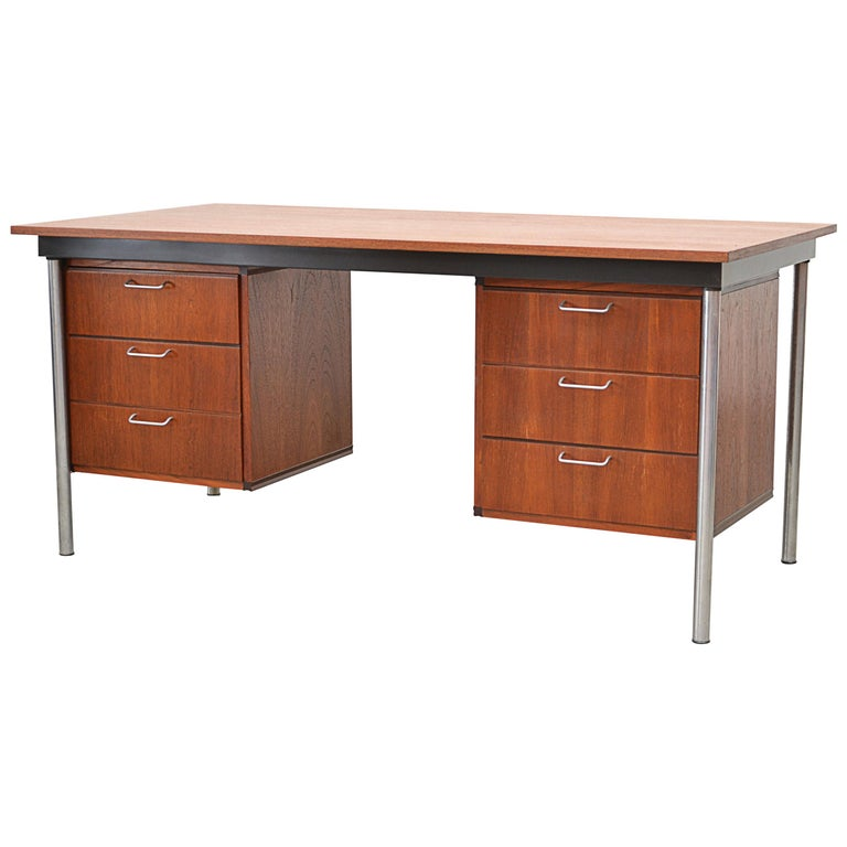 """Pastoe """"Made to Measure"""" Series Executive Desk For Sale"""