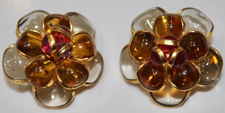 Pate De Verre Camélia Clip Earrings  For Sale 1