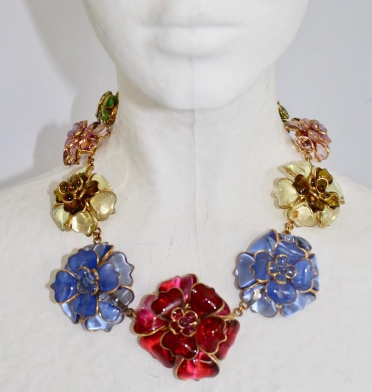 Women's Pate de Verre Collection Nine Camelia Necklace For Sale