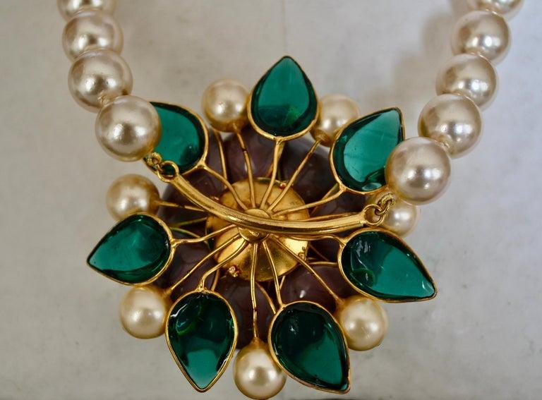 Pate de Verre Collection Rose Necklace In New Condition For Sale In Virginia Beach, VA