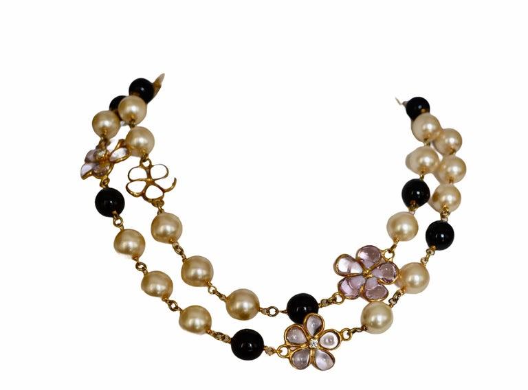 Art Deco Pâte de Verre sautoir with Clover and Pearls For Sale