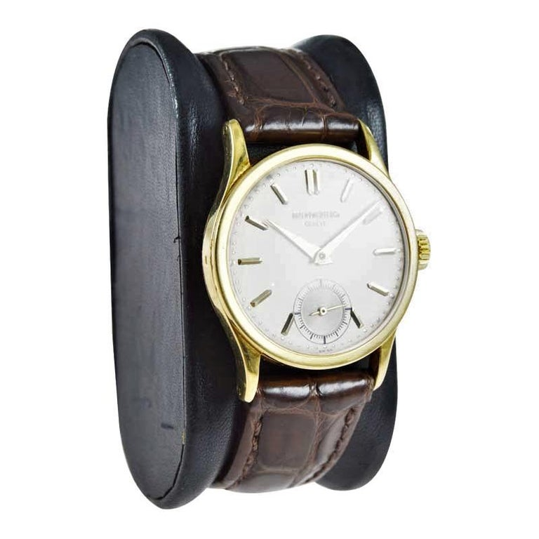 Art Deco Patek Philippe 18 Karat Gold Classic Calatrava with Original Dial, circa 1940s For Sale
