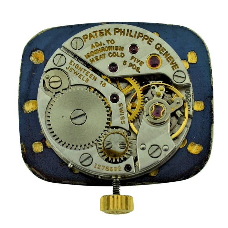 Patek Philippe 18 Karat Gold Ladies Watch with Original Blue Dial, circa 1970s For Sale 8