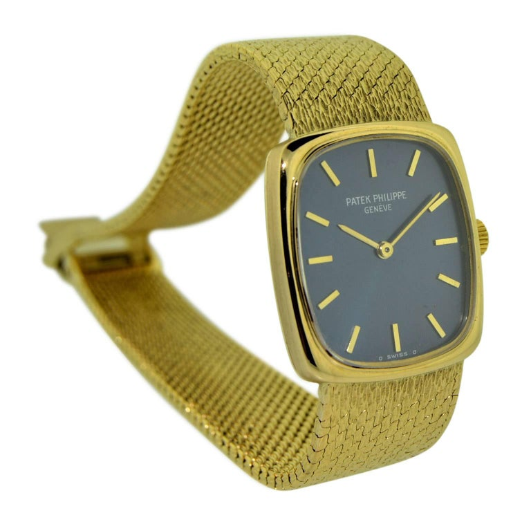 Women's Patek Philippe 18 Karat Gold Ladies Watch with Original Blue Dial, circa 1970s For Sale