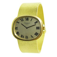 Patek Philippe 18 Karat Gold Watch with Original Gold Mesh Bracelet, circa 1970s