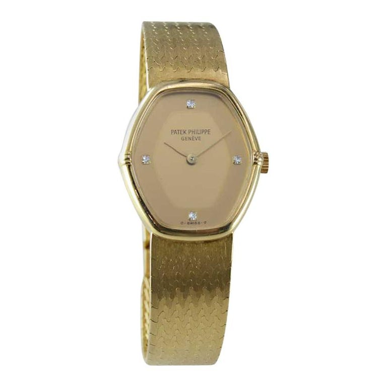 Patek Philippe 18 Karat Yellow Gold Ladies Watch with Original Bracelet For Sale