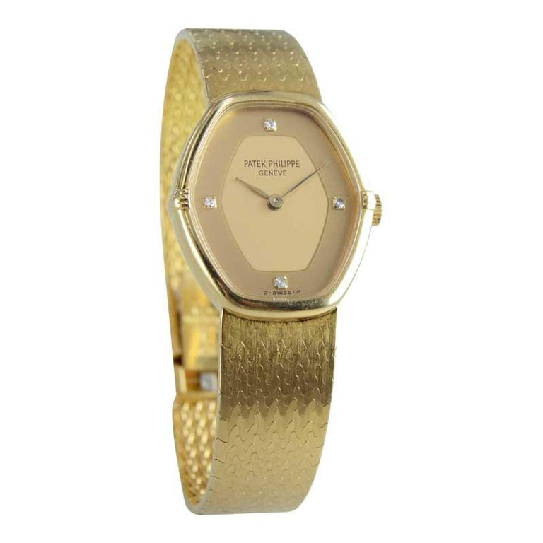 Women's Patek Philippe 18 Karat Yellow Gold Ladies Watch with Original Bracelet For Sale