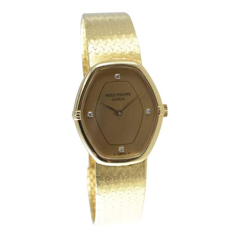 Patek Philippe 18 Karat Yellow Gold Ladies Watch with Original Bracelet For Sale 2