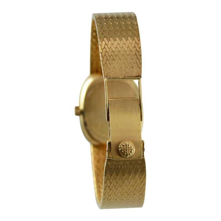 Patek Philippe 18 Karat Yellow Gold Ladies Watch with Original Bracelet For Sale 1