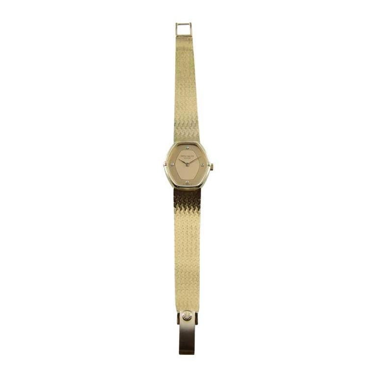 Patek Philippe 18 Karat Yellow Gold Ladies Watch with Original Bracelet For Sale 5