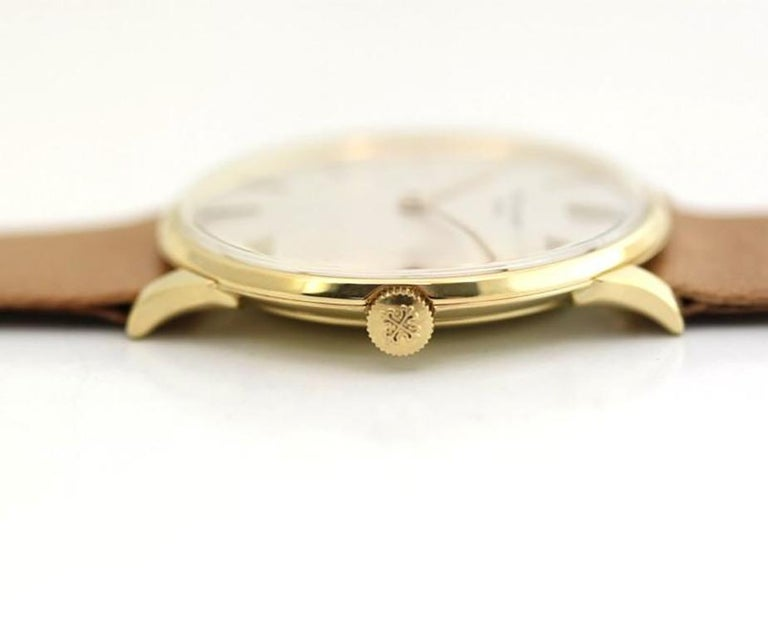 Patek Philippe 2573-1J Vintage Calatrava Watch, circa 1965 In Excellent Condition For Sale In Santa Monica, CA