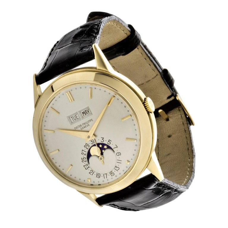 Patek Philippe 3448J Automatic Perpetual Calendar Watch In Excellent Condition For Sale In Santa Monica, CA