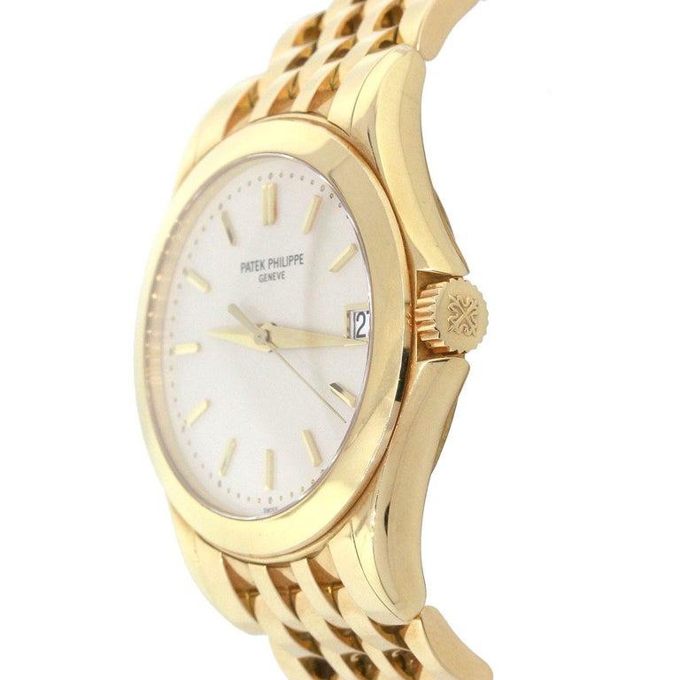 Patek Philippe 5107J Calatrava White Dial Watch In Excellent Condition For Sale In Boca Raton, FL