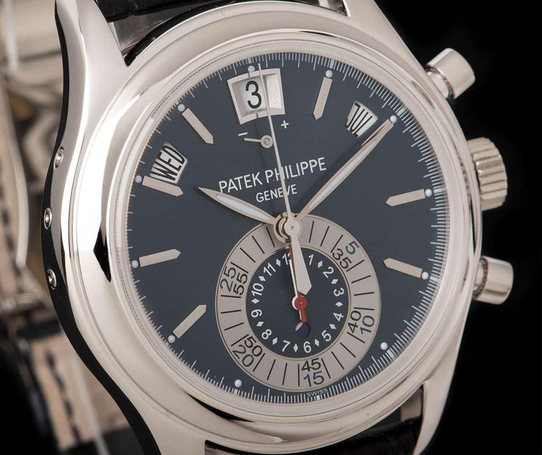 Patek Philippe Annual Calendar Platinum Blue Dial 5960P-015 Automatic Wristwatch In Good Condition For Sale In London, GB