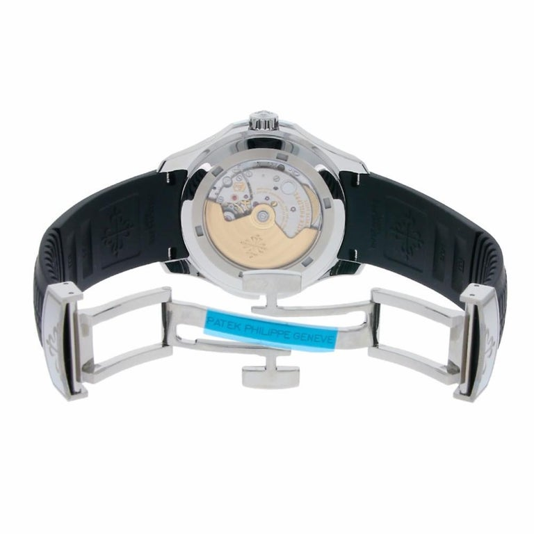 Patek Philippe Aquanaut Stainless Steel Rubber Strap Watch 5164A-001 In Excellent Condition For Sale In Miami, FL