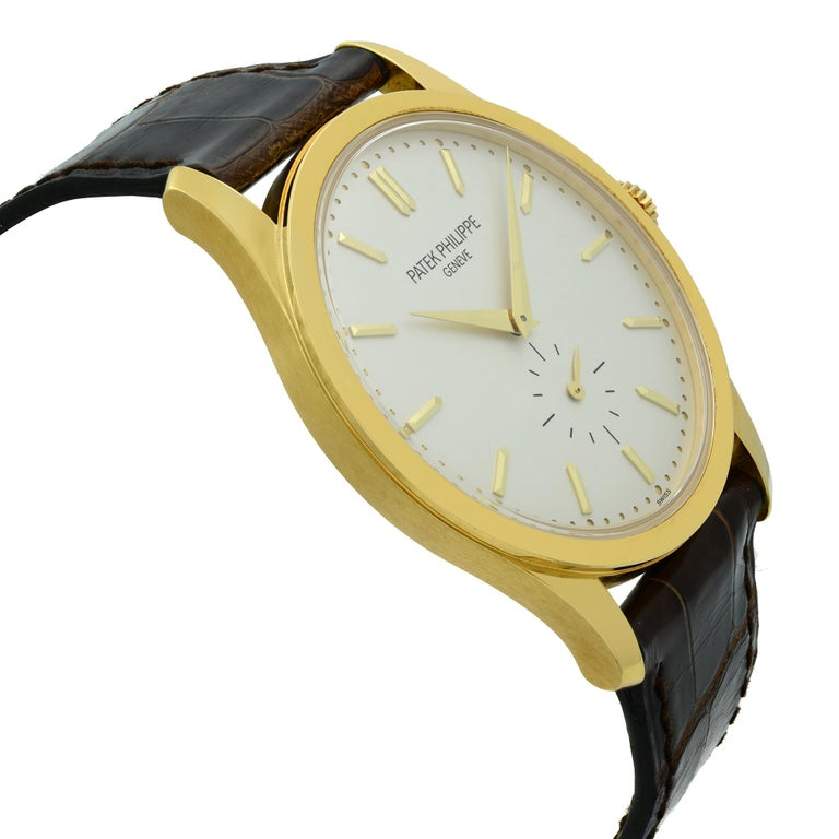 Patek Philippe Calatrava 18K Gold Silver Dial Hand-Wind Men's Watch 5196J-001 In Good Condition For Sale In New York, NY